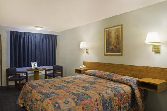 Americas Best Value Inn Carson City: Queen Standard 2