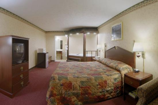 Americas Best Value Inn & Suites: Jacuzzi3