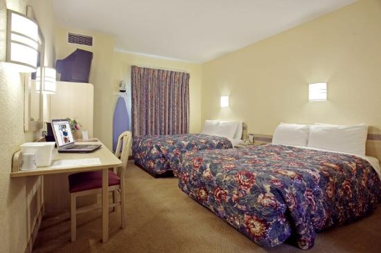 Econo Lodge: Double Standard
