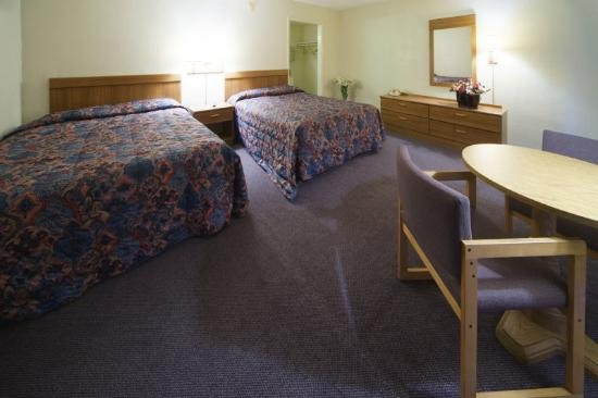 Americas Best Value Inn Winchester: Double Standard 2