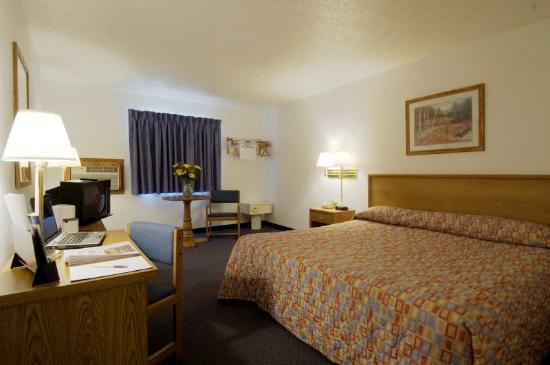 Americas Best Value Inn: King Room