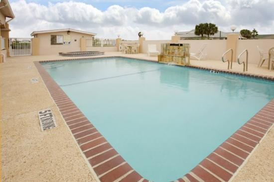 Americas Best Value Inn - Corpus Christi / Port Aransas: Outdoor Pool