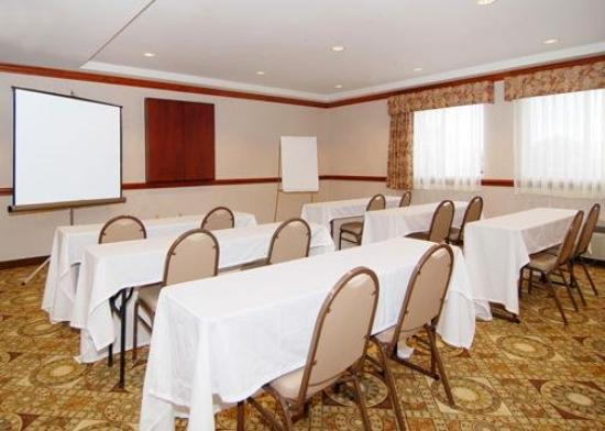 Comfort Inn Warren: Meeting Room