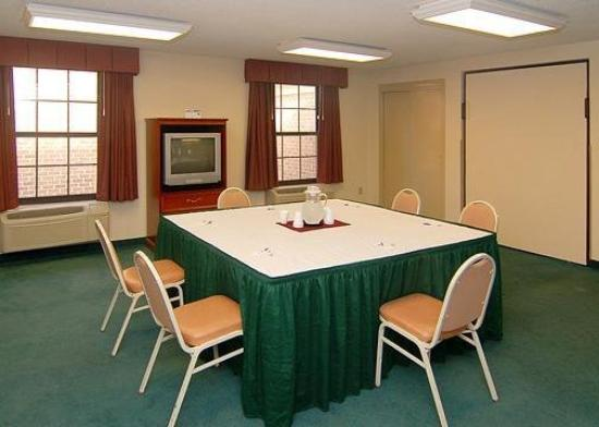 Comfort Inn Hotel Newport News: Meeting Room