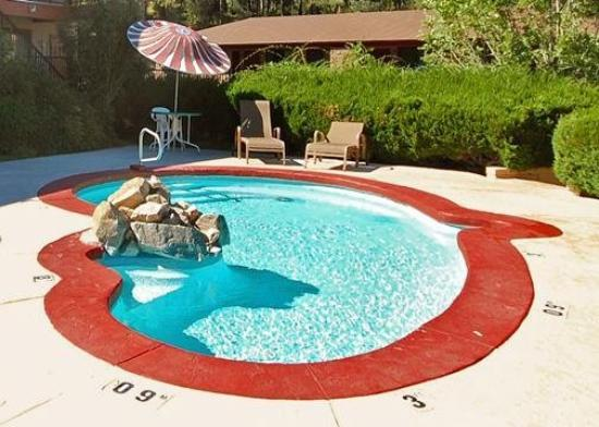 Comfort Inn at Ponderosa Pines: Pool