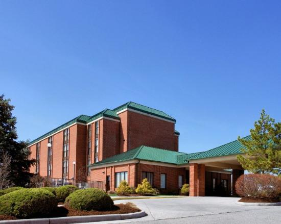 The Blacksburg Comfort Inn Hotel: EXTERIOR%