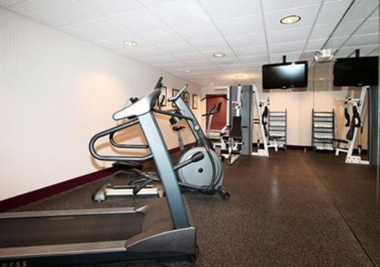 Comfort Inn & Suites - York: Fitness