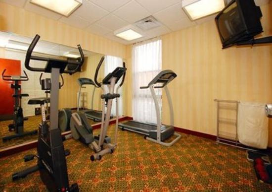 Comfort Inn & Suites: 24 Hour Fitness Center