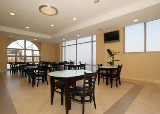 Comfort Inn & Suites Airport : Restaurant