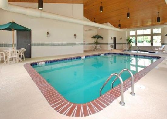 Comfort Inn & Suites Fulton: Pool