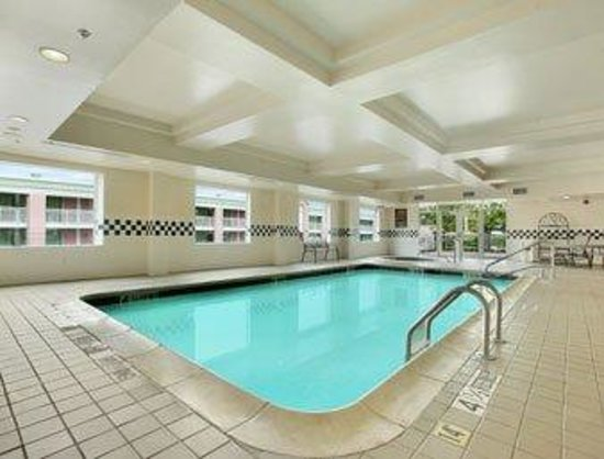 Days Inn and Suites Albany: Pool