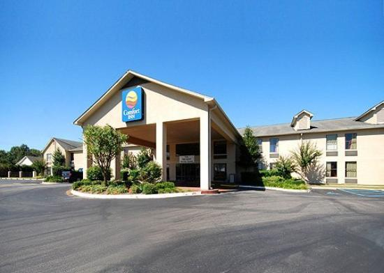 Comfort Inn Olive Branch: Exterior