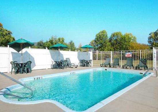 Comfort Inn & Suites Lookout Mountain: Pool