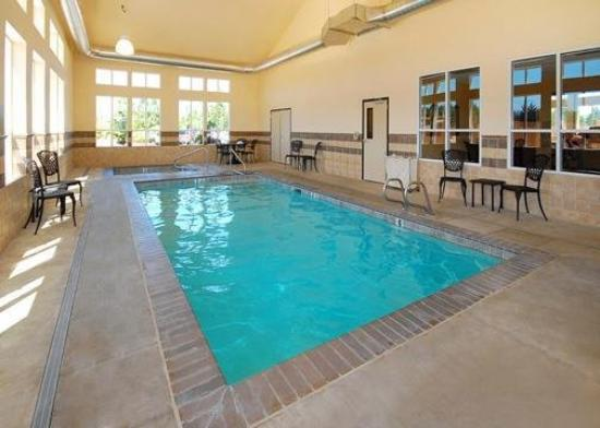 Comfort Inn & Suites McMinnville: Pool