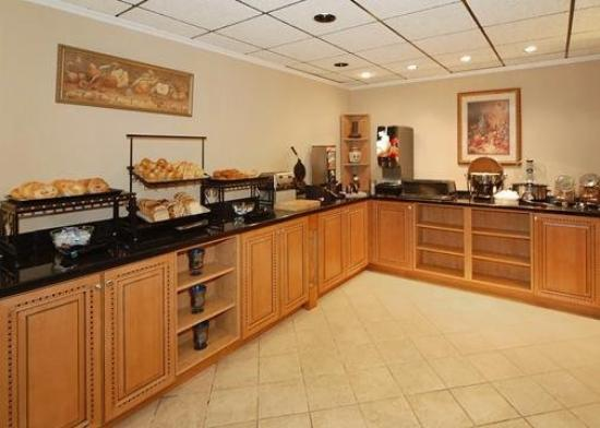 Comfort Inn &amp; Suites Athens: Restaurant