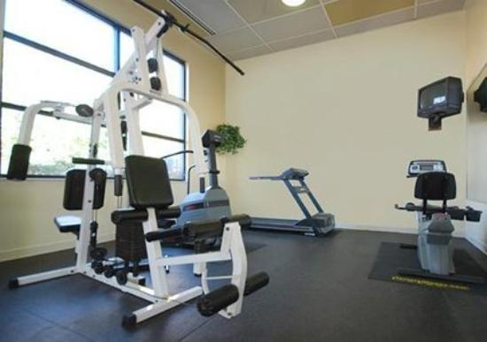 Clarion Inn &amp; Suites Northwest: Health Club -OpenTravel Alliance - Health Club-