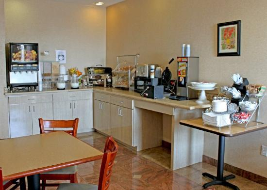 Comfort Suites Downtown South: Breakfast