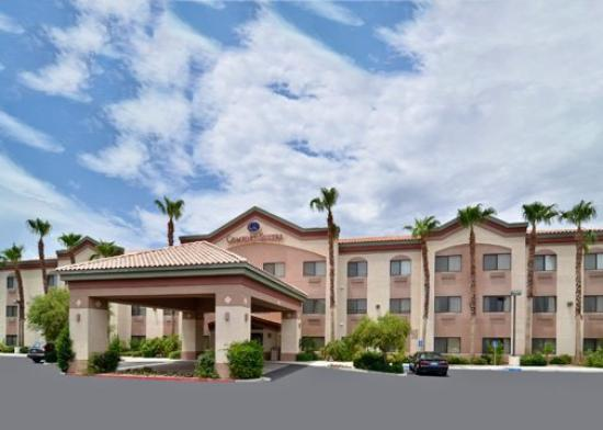 Photo of Comfort Suites Palm Desert