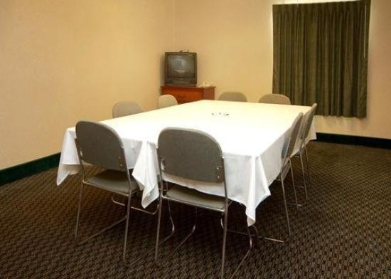 ‪‪Comfort Suites Auburn Hills‬: Meeting Room‬