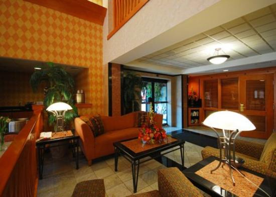 Comfort Suites Leesburg: Lobby