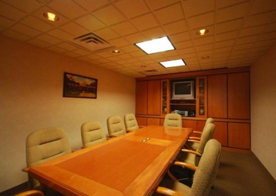 Comfort Suites Leesburg: Meeting Room