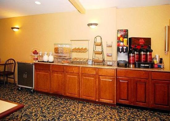 Comfort Suites East/I-44: Restaurant