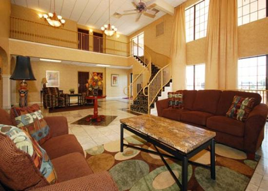 Comfort Suites East/I-44: Lobby