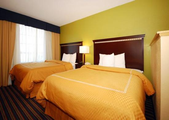 Comfort Suites East/I-44: OKDBLQUEENSUITE