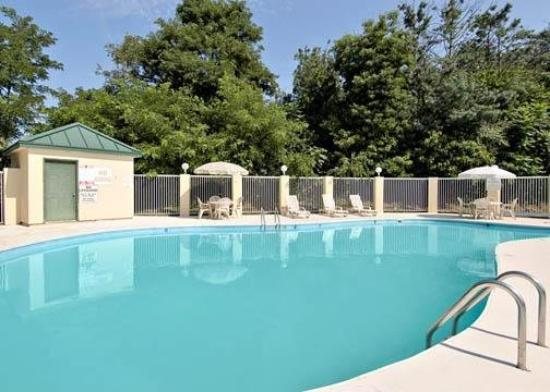 Comfort Inn Beckley: Pool