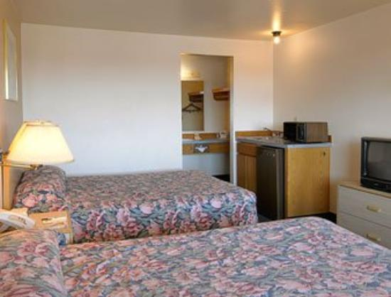 Best Inn Everett: Guest Room
