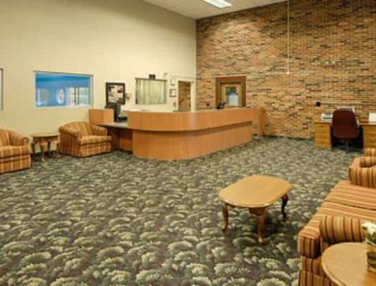 Days Inn Bloomington: Lobby
