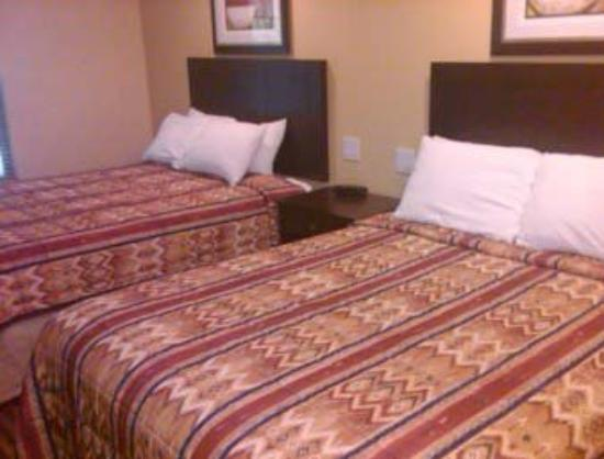 Quality Inn near Mountain Creek: Two Double Bed Room