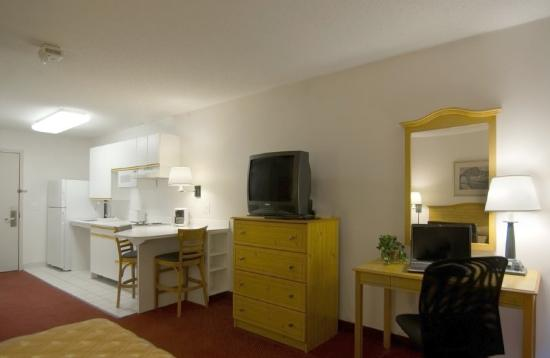 Homestead Studio Suites - Cleveland - Beachwood: Accessible Queen Studio Suite