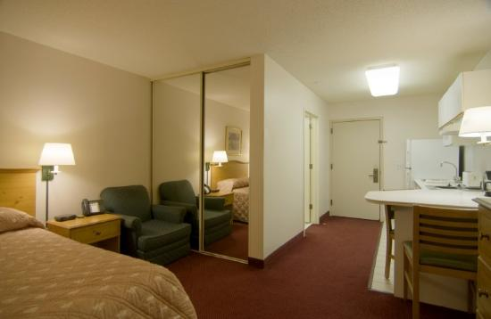 Homestead Studio Suites - Cleveland - Beachwood: Queen Studio Suite