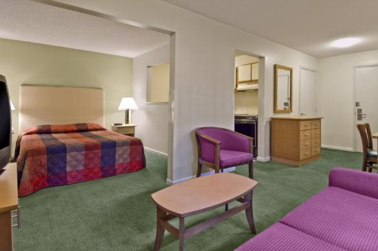 Extended Stay America - Columbus - Sawmill Rd.: Accessible Queen Deluxe Studio