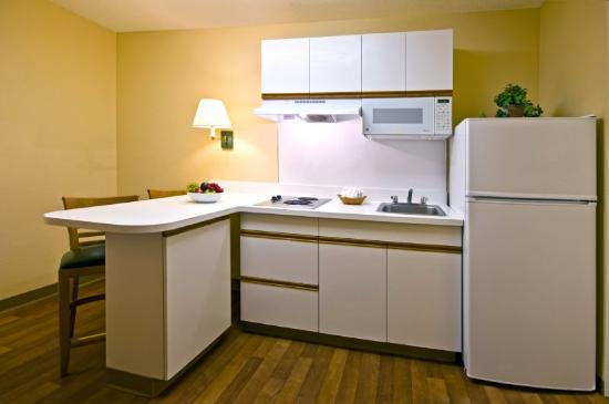 Homestead Studio Suites - Washington, DC - Dulles Airport - Sterling: Fully-Equipped Kitchens