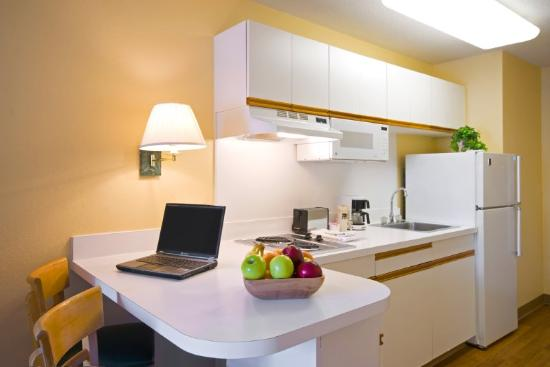 Homestead Studio Suites - Las Vegas - Midtown : Fully-Equipped Kitchens 
