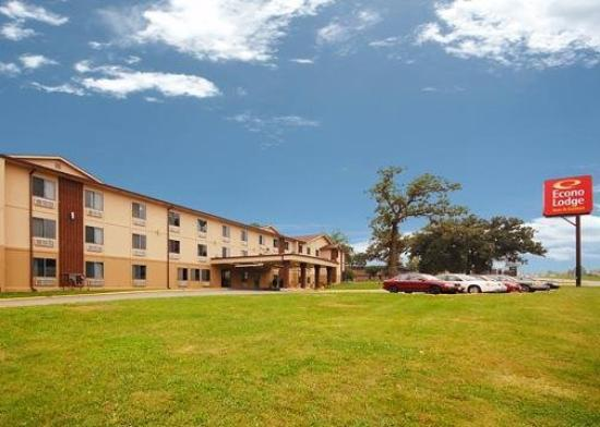 Photo of Econo Lodge Inn & Suites Des Moines