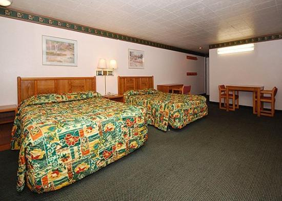 Econo Lodge Wildwood Inn: Guest Room