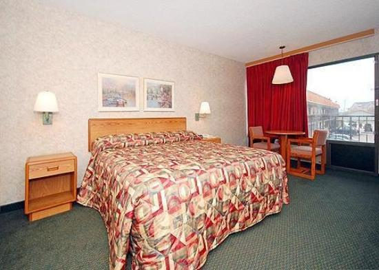 Econo Lodge - Jefferson City : Interior