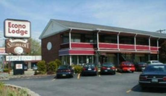 Photo of Econo Lodge Framingham