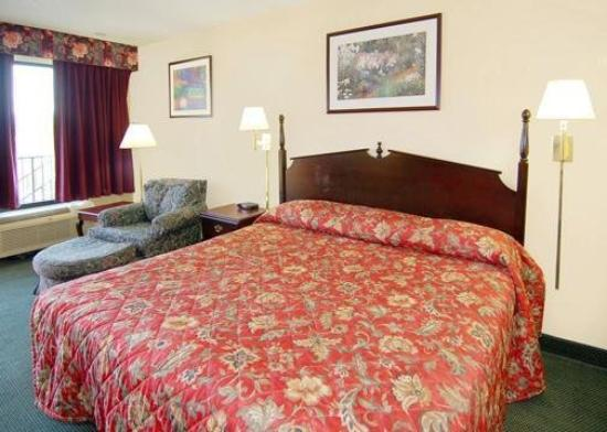 Motel 6 Lexington: Guest King Room