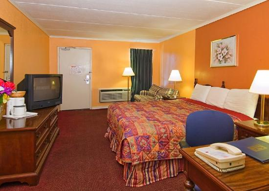Econo Lodge Austin: King