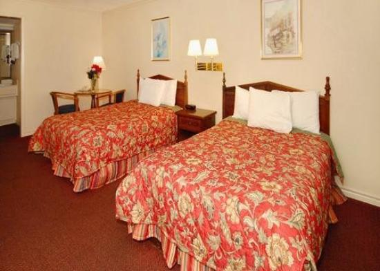 Econo Lodge Austin: Guest Room