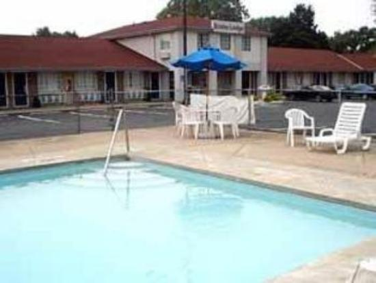 Econo Lodge Cedar Point South: Pool