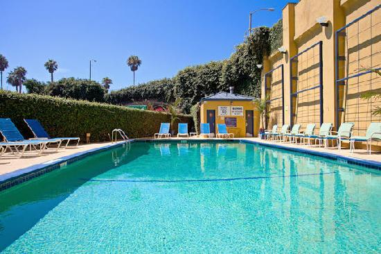 Wyndham Santa Monica At The Pier: Our Outdoor Heated Pool and Tanning Deck