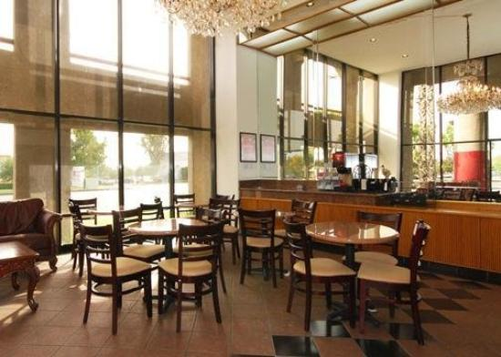 Econo Lodge Ontario Airport: Restaurant
