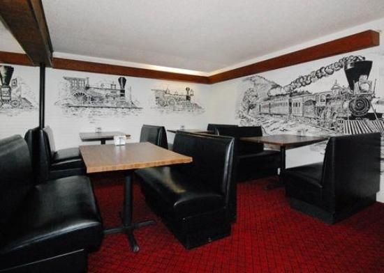 Econo Lodge Silver Dollar City: Restaurant