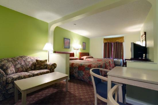 Americas Best Value Inn & Suites: Double-Suite