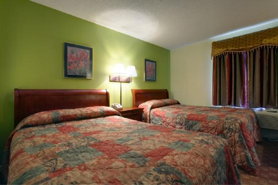 Americas Best Value Inn & Suites: Double Suite
